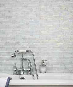 Botella™ Shimmering Glacier Mosaic Tile
