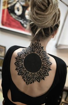 Awesome back mandala tattoo © tattoo artist israel paketh ❤ ❤ ❤ ❤ ❤ mandala tattoo design Mandala Tattoo Design, Tattoo Designs, Design Tattoo, Mandala Tattoo Neck, Simple Mandala Tattoo, Nape Tattoo, Leg Tattoos, Body Art Tattoos, Girl Tattoos