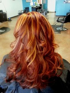 Red with blonde/copper highlights, copper hair color for auburn ombre brown amber balayage and blonde hairstyles Red Hair With Blonde Highlights, Balayage Blond, Red Blonde Hair, Red Brown Hair, Copper Highlights, Orange Highlights, Auburn Balayage, Ombre Brown, Rose Blonde