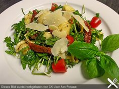 http://www.chefkoch.de/rezepte/1015461206734011/Italienischer-Nudelsalat-mit-Rucola-und-getrockneten-Tomaten.html