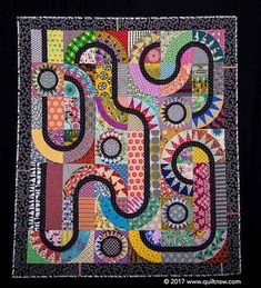 We are delighted to share the second prize winner for 'Quilt Top Quilted by Another' congratulations to @patchworkfun Stunning quilting by @goneaussiequilting #quiltnsw #patchwork #quilting