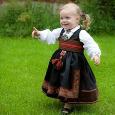 Bunad from almankas. Folk Costume, Costumes, Norwegian People, Folk Clothing, Thinking Day, My Heritage, People Of The World, Traditional Outfits, Cute Kids
