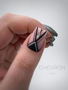 Chevron Nail Art, Purple Nail Art, Striped Nails, Nautical Nails, Latest Nail Designs, Elegant Nail Designs, Toe Nail Designs, Glitter Pedicure Designs, Manicure E Pedicure