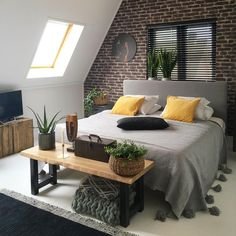 Low Budget Home Decorating Can Really Give Your Home a Lift Bedroom Inspo, Home Bedroom, Bedroom Decor, Bedroom Shelves, Bedroom Signs, Bedroom Inspiration, Bedroom Ideas, Master Bedroom, Loft Interior