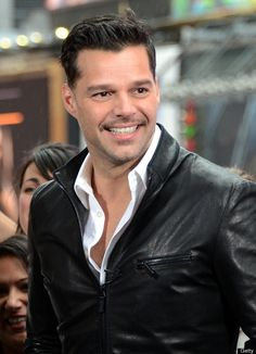 Ricky Martin. I was seriously shocked when he came out, but he's still so handsome!! Ricky Martin, Amazon Prime Video, Celebs, Celebrities, Pop Music, Celebrity Crush, Music Artists, Rihanna, Beautiful Men