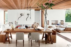 The dining area of author and photographer Kelly Klein's Palm Beach home