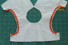 adding-trim-to-the-geranium-dress/