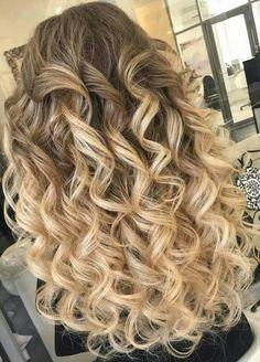 Big Curls For Long Hair, Long Curls, Big Hair, Wedding Hair And Makeup, Hair Makeup, Perm Curls, Glam Hair, Perms, Textured Hair
