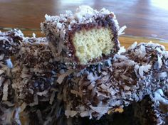 recept kokosove jeze Krispie Treats, Rice Krispies, Cookies, Pastries, Desserts, Food, Basket, Crack Crackers, Tailgate Desserts