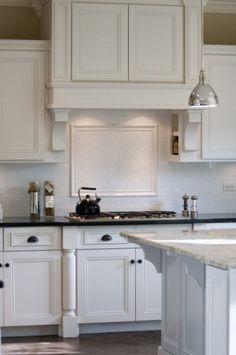 Subway tile backsplash    kitchen by Oakley Home Builders
