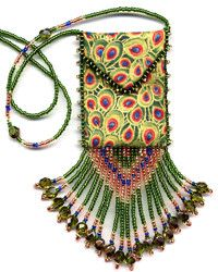 Beaded Peacock Eyes Amulet Bag pattern & Kit. (Click on photo to go to this on our site). $10.95 Beaded Crochet, Crochet Bags, Beaded Embroidery, Beading Projects, Beading Tutorials, Beading Patterns, Beaded Boxes, Beaded Purses, Peacock Jewelry