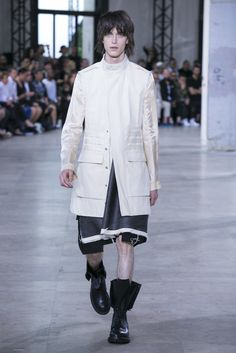 A look from the Rick Owens Spring 2016 Menswear collection.