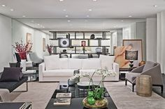 Sala Home Living Room, Living Room Decor, Interior Architecture, Interior Design, Shelving, Couch, House Styles, Furniture, Home Decor