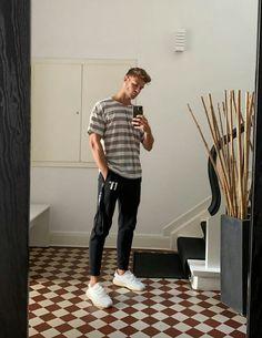 Tobias, Mode Man, My Style, Boys, Outfits, Templates, Baby Boys, Suits, Senior Boys