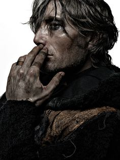 gustave extension -> animated | Mads Mikkelsen by Patrizio di Renzo