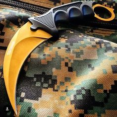 Gold can cure anything. don't miss out on this #csgo #karambit fade! Available…