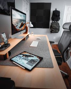 Imac Setup, Computer Desk Setup, Gaming Room Setup, Gaming Rooms, Gaming Computer, Study Room Design, Home Room Design, Home Office Design, Minimalist Office