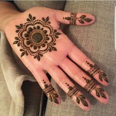 Latest 50 Eid Mehndi Designs for 2020 - Mehendi Designs - Henna Designs Hand Palm Mehndi Design, Round Mehndi Design, Indian Mehndi Designs, Mehndi Design Images, Beautiful Mehndi Design, Latest Mehndi Designs, Indian Henna, Mehndi Designs For Beginners, Mehndi Designs For Fingers