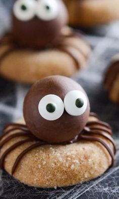 Peanut Butter Spider Cookies - Scare up some tasty fun with Chef Eddy's recipe for Peanut Butter Spider Cookies. These super-simple peanut butter cookies only have 4 ingredients and are gluten-free!  Perfect for Halloween (or a child's bug-themed birthday party) these sweet treats make a great snack or dessert.