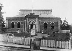 Bendigo's Art Gallery in View Street was opened by Lord Hopetoun October 1890, the building was originally Bendigo's Volunteer Riflemens Orderly Room.
