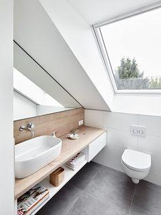 Attic conversion, rating modern bathroom by philip kistner photography modern - Dachgeschossausbau, Ratingen: modern bathroom by Philip Kistner Fotografie - Small Attic Bathroom, Loft Bathroom, Upstairs Bathrooms, Bathroom Interior, Modern Bathrooms, Master Bathroom, Serene Bathroom, Bathroom Green, Bathroom Bin