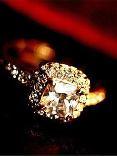 Women's Fashion Square Princess Gemstone Crystal Flash Diamond Vintage Wedding Ring
