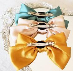 Scrunchies, Hair Barrettes, Fabric Bow Tutorial, Ribbon Hair Clips, Barrette Clip, Silk Hair, Fabric Bows, Elegant Hairstyles, Fashion Sewing
