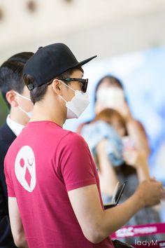 Yuchun at Gimpo Airport heading for Japan FM ❤️ JYJ Hearts
