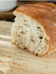 Do you want to learn how to make homemade sourdough bread? This easy recipe is a healthy, soft and slightly sweet loaf the entire family enjoys Sourdough Recipes, Easy Bread Recipes, Sourdough Bread, Cooking Recipes, Vegetarian Recipes, Whole Wheat Sourdough, Paleo Pumpkin Pie, Bread Toast, No Knead Bread
