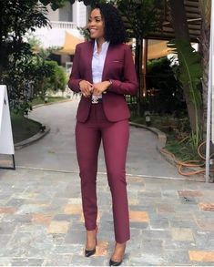 40 Edgy and Chic Outfits For Women - corporate attire women Classy Work Outfits, Office Outfits Women, Mode Outfits, Work Casual, Chic Outfits, Ladies Outfits, Fashion Outfits, Pretty Outfits, Casual Chic