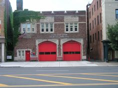 Hartford Fire Department - South Green Fire Station, Engine Company 1, Ladder Company 6 - Hartford, CT #ivy #fire #setcom #Hartford #Connecticut #whalers http://www.setcomcorp.com/alternate-intercom-wireless-integration.html