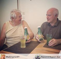 Thanks for this funny picture of two grandpas drinking Omi's Apfelstrudel, my lovely grandchild Fruit Juice, Opi, Funny Pictures, Thankful, Vegan, Apple Strudel, Thanks, Fanny Pics, Funny Pics