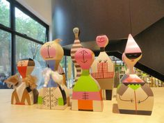 Vitra Girard Dolls welcoming the visitors @cdwfestival #CDW2016