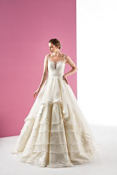 Bridal Collection, Bridal Style, Bridal Dresses, Wedding Styles, Ball Gowns, Marriage, Wedding Photography, Bride, Formal Dresses