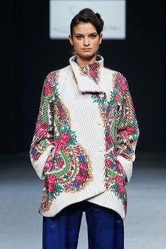 Ukrainian Embroidery No. Folk Fashion, Ethnic Fashion, Womens Fashion, Mode Russe, Style Russe, Ethno Style, Style Ethnique, Russian Fashion, Vintage Scarf