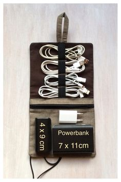 Endlich kein Kabelsalat mehr in der Tasche. Eine praktische Tasche für alle, die Ordnung ins Kabelchaos bringen wollen. Das Gummiband ist flexibel und kann gut für **4 kurzen Kabeln**...