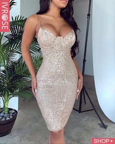 Best Party Dresses prom dress shops near me tube dress best dress for freshers party for girl Best Party Dresses, Nice Dresses, Prom Dresses, Freshers Party, Outfit Vestidos, Look Fashion, Fashion Outfits, Mini Robes, Ruffles