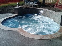 built-in-retaining-wall-spa