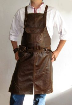 Leather Apron Brown leather apron men apron by MyWorldLeather Clothes Words, Diy Clothes, Industrial Aprons, Tool Apron, Barber Apron, Grill Apron, Personalized Aprons, Custom Aprons, Leather Apron