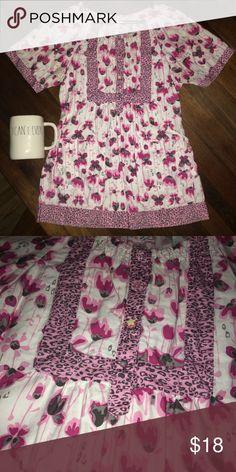 Koi Scrub Top Floral Cheetah Print Koi Scrub Top Floral Cheetah Gray Pink Print  Great used scrub top Koi Tops