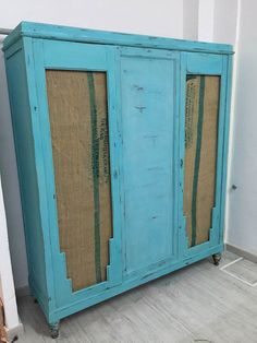 Muebles reciclados, un armario con sacos de cafe, chalk paint