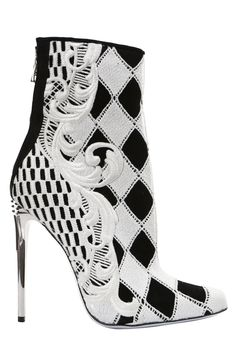 Balmain shoe. Black and white in different proportions creates an eye-catching effect.