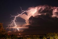 lightning positive cg by shear atmos Beautiful Landscapes, Beautiful Images, Thunder And Lighting, Lightning Photos, Beach Accommodation, Water Me, Natural Phenomena, Mother Nature, Cool Photos