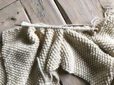 ¿Te atreves a tejer un jersey en punto arroz? | SANTA PAZIENZIA Knitting Patterns, Pullover, Womens Fashion, How To Wear, Blog, Kimono Crochet, Natural, Decor, Knit Sweaters