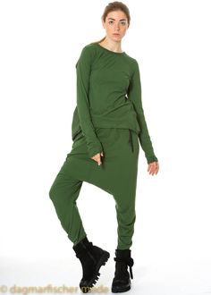 Shirt by RUNDHOLZ DIP - dagmarfischermode.de  #rundholz #dip #fashion #style #stylish #german #designer #onlineshop    #styles #outfit #newseason #layering #lagenlook #likeleather  #autumn #fall #winter   #shirt #cotton  #green