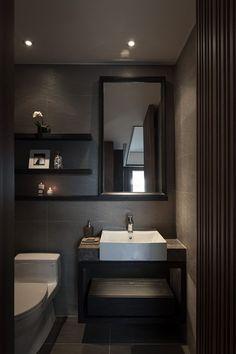 Hoy en día son más las personas que optan por agregar tonos oscuros a los baños. Colores que van desde los grises oscuros, marrones, negros… en acabados como pueden ser los alicatados y sanitarios. Para baños grandes, también puedes optar por hormigones o cementos pulidos, maderas y piedras variadas. #baños #bañososcuros #decoración #ideasbaño #ideas #tonososcuros Cheap Bathroom Remodel, Shower Remodel, Budget Bathroom, Simple Bathroom, Bathroom Ideas, Bathroom Vanities, Bathroom Remodeling, Bathroom Storage, Bathroom Colors