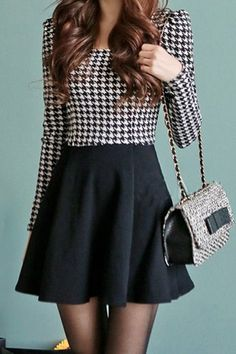 Brief Women's Scoop Neck Houndstooth Pattern Long Sleeve Dress