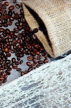 Kávový lógr: Skrytý poklad pro vaše tělo, vlasy i zahradu | Žijeme homemade Homemade, Health, Coffee, Fitness, Kaffee, Home Made, Health Care, Cup Of Coffee, Hand Made