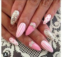 Pose d'ongle !!!