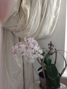 Fabulous orchid Dust Ruffle, Cushions, Pillows, Roman Shades, Soft Furnishings, Slipcovers, Orchids, Duvet, Upholstery